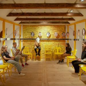 6.a. fra Elise Smiths Skole besøger udstillingen #ingenlillelort på KØN